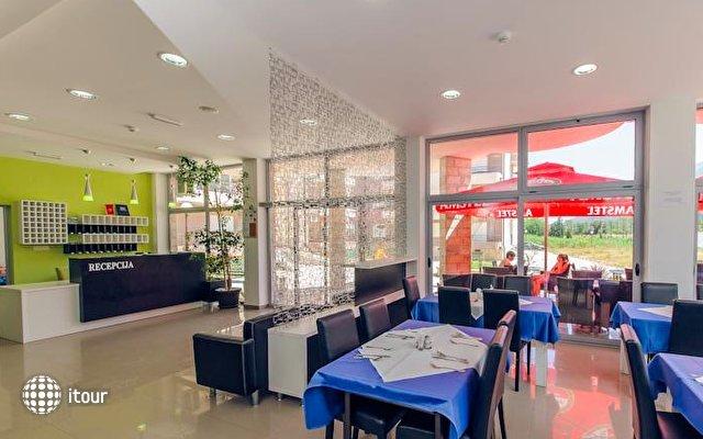 Hotel Novi 5