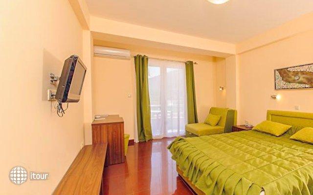 Hotel Novi 9