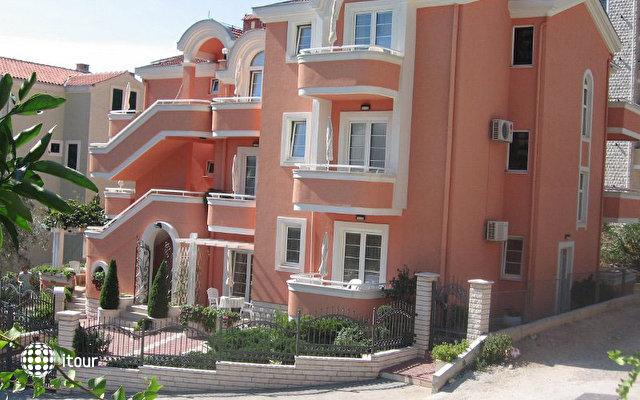 Koral Lux Villa  1