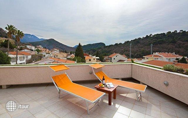 Holiday Villa  4