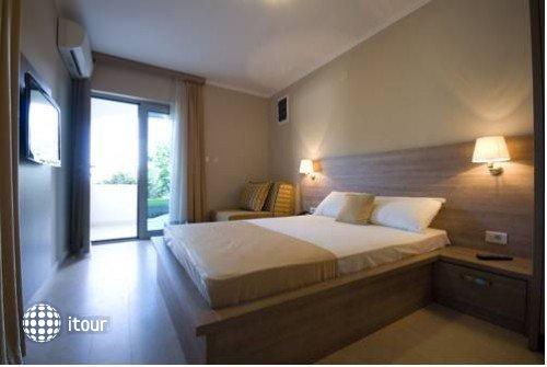 V Lux Villa 9