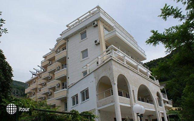 Obala Hotel  1