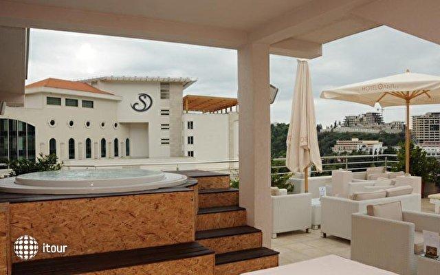 Anita Hotel 8