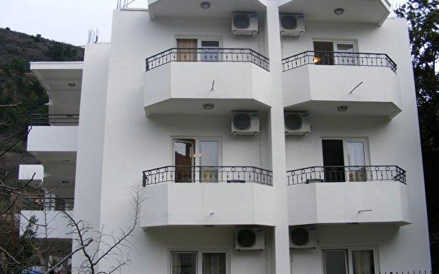 Villa Bastrica 1