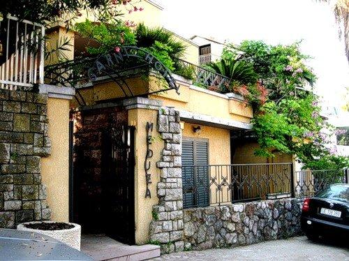 Meduza Garni Hotel 1