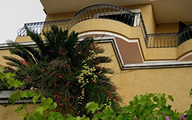 Meduza Garni Hotel 9