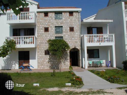 Villa Pinjatic 2