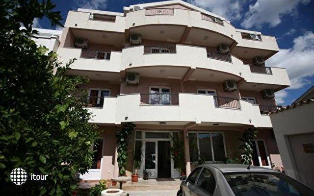 Villa Zec 1