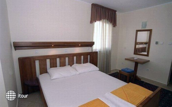 Mne- Hotel 4