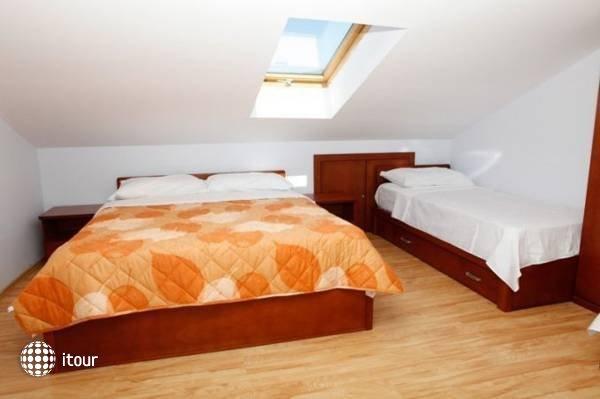 Hotel R 9