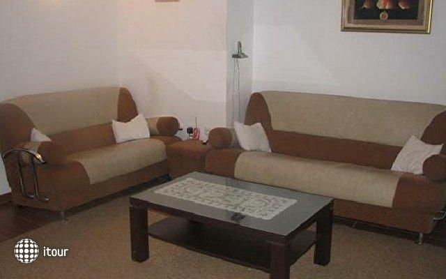 Teodora Apartment 4