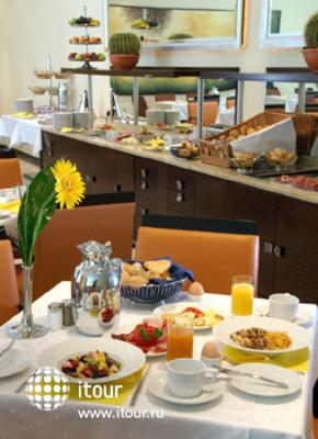 Best Western Premier Hotel Montenegro 4
