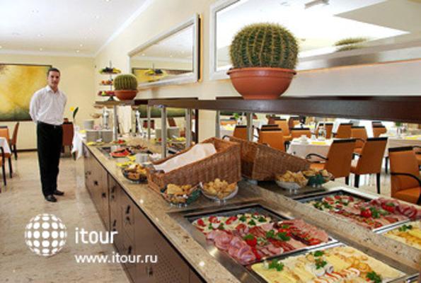 Best Western Premier Hotel Montenegro 7