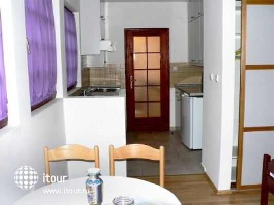 Small Hotel Goiko 4