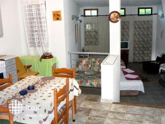 Small Hotel Goiko 5