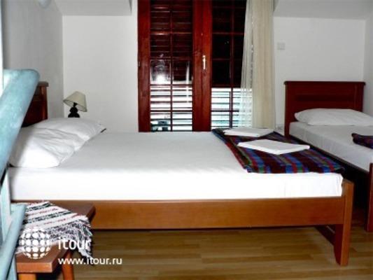 Small Hotel Goiko 9