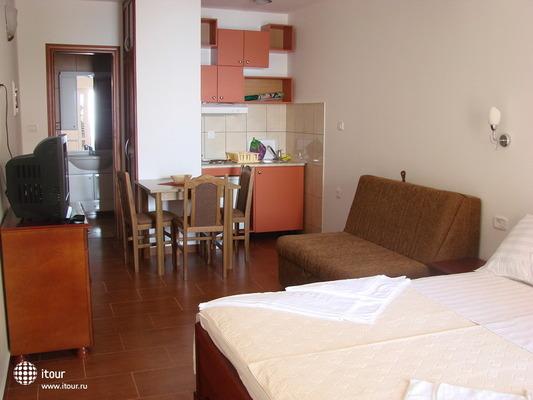 Aparthotel Baron 10