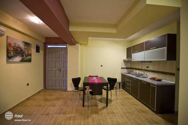 Raymond Kazanegra Apartments 2