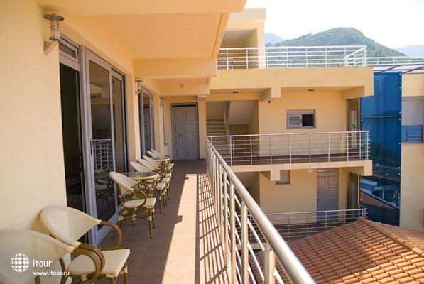 Raymond Kazanegra Apartments 1