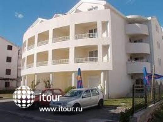 Villa Dzakovic 1
