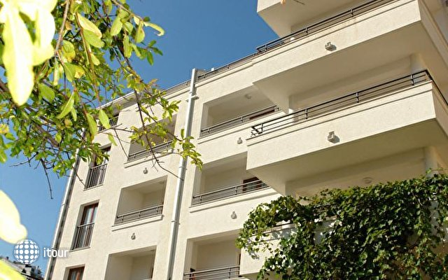 Butua Hotel 2