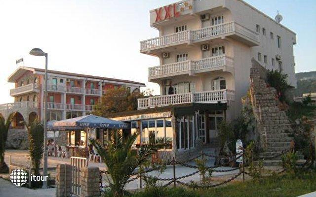 Villa Xxl 1