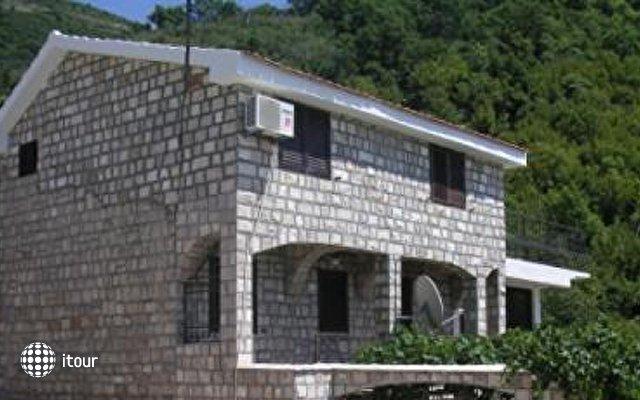 Villa Larry House 1