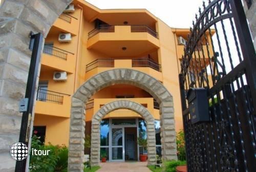Radevic Apartments 1