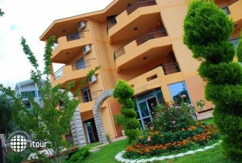 Radevic Apartments 4