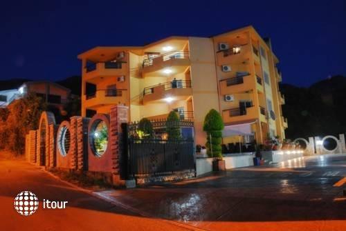 Radevic Apartments 7