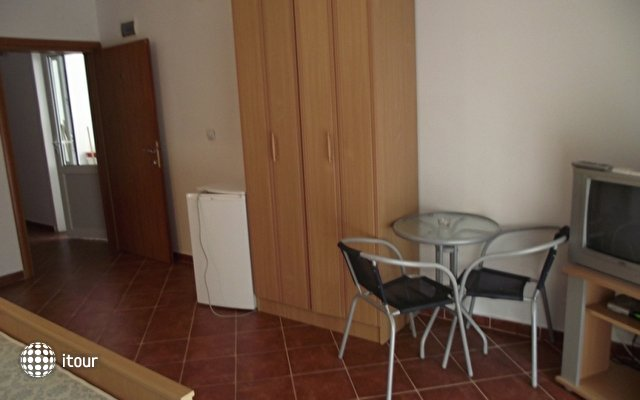 Knezevic Apartament 4
