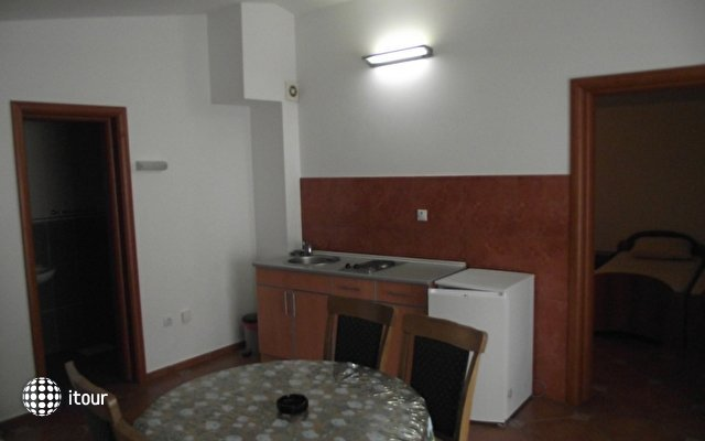 Knezevic Apartament 6