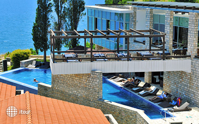Avala Resort & Villas 9