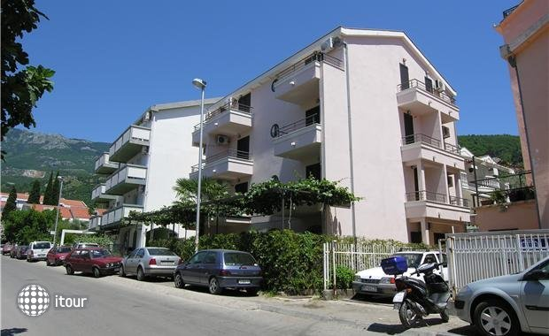 Mare Apartments 1