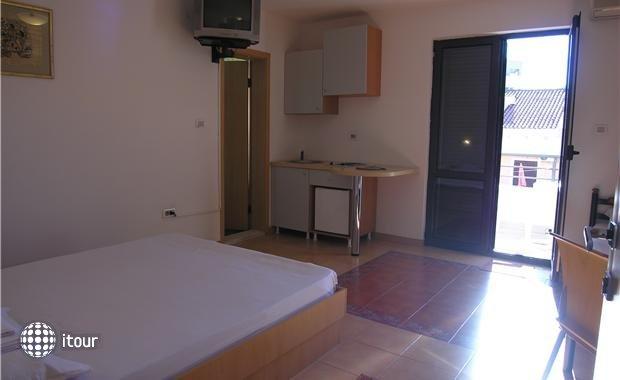 Mare Apartments 4