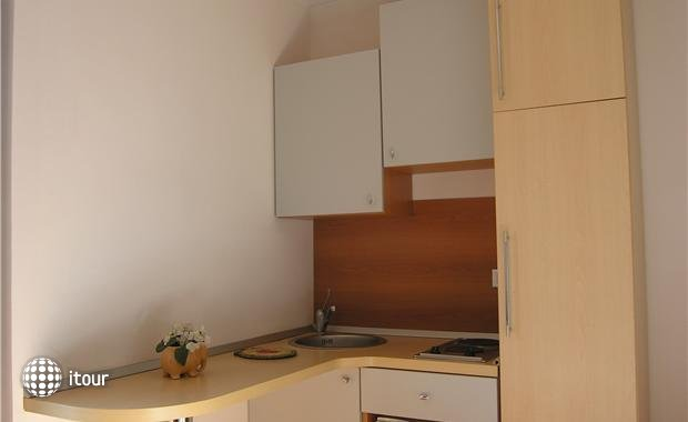Mare Apartments 8