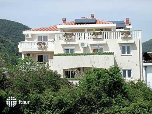 Villa Maslovar 1