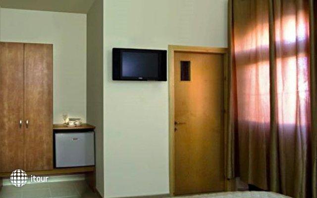 Haifa Guest House 5