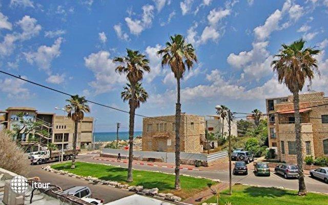 Sea Plaza Residence 1