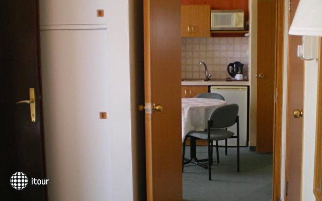 Marom Hotel 4
