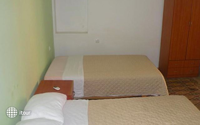 Yafo 82 Guesthouse 2