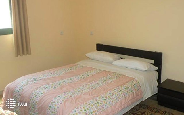 Yafo 82 Guesthouse 8