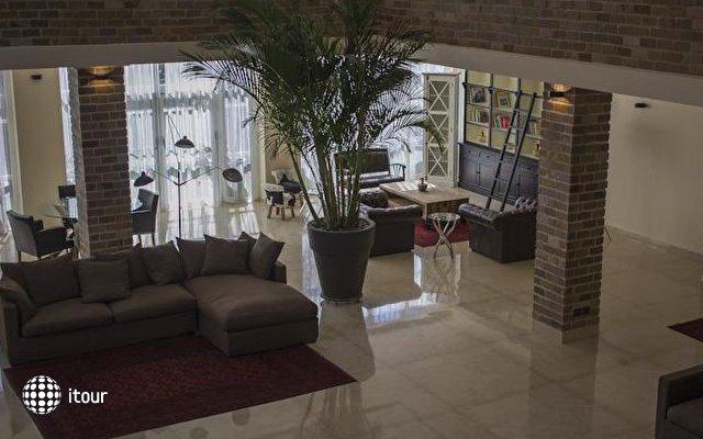 Garden Hotel 4
