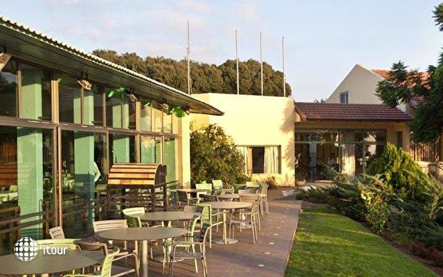Nir Etzion Hotel 8