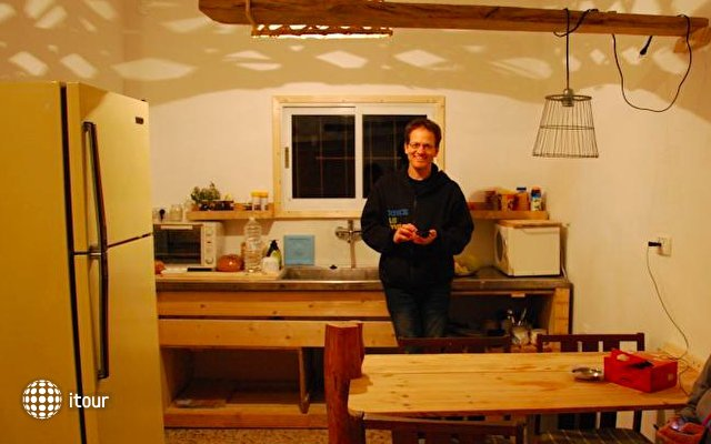 Juha's Guesthouse - Zarqa Bay 4