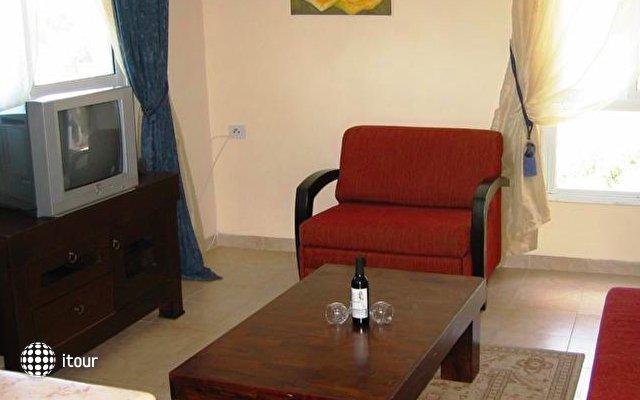 Beit Oren Guest House 9