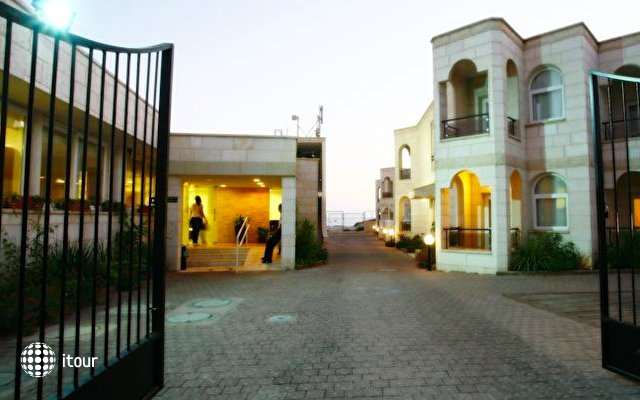 Acco Beach Hotel 9