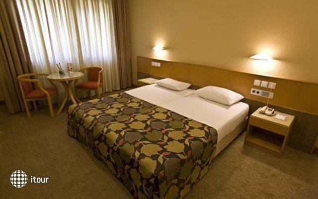 C Hotel Neve Ilan  4