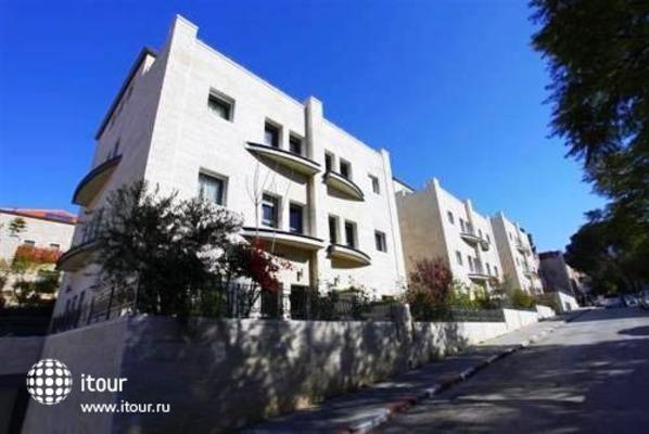 Tamar Residence Suites 1