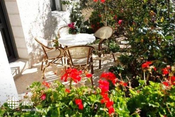 Tamar Residence Suites 9
